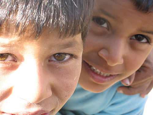 Iraqi Kids by adamhenning via flickr